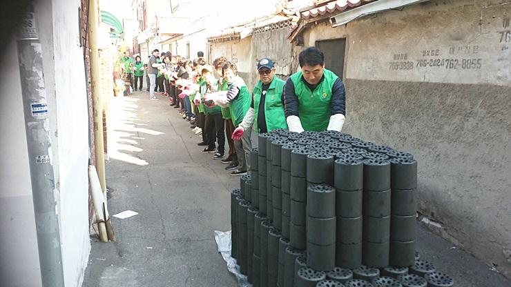 인천, 사랑의 연탄·쌀 나누기