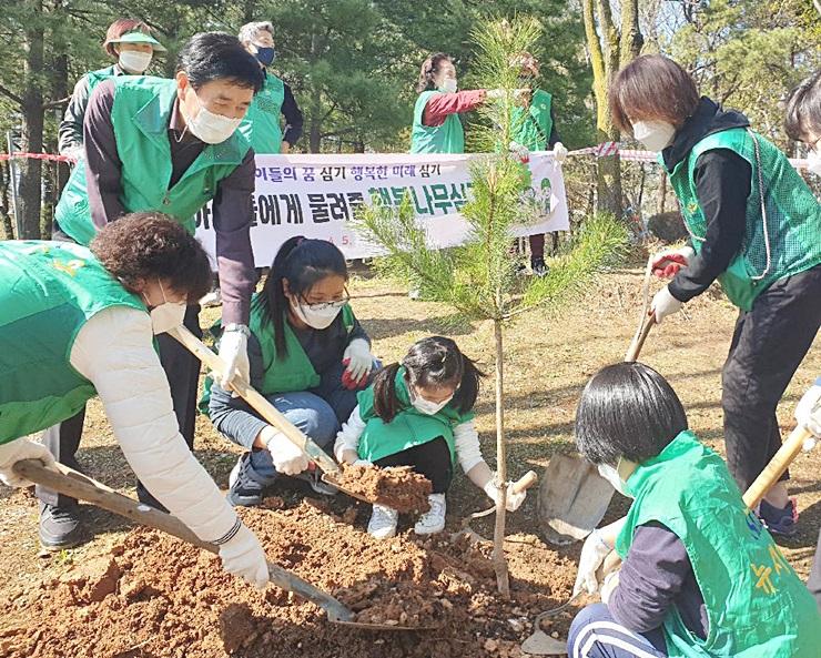 폭염을 막는 자연해결사 '도시숲' 조성