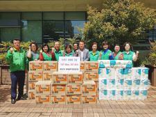 경남 진해구 웅동2동협의회와 부녀회, 어려운 이웃에게 물품전달