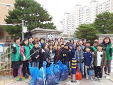 충북 청주시 서원구 산남동부녀회, 관내 초등학생들과 환경정화활동