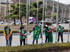 울산 남구 삼호동협의회와 부녀회, 새마을기 교체 작업